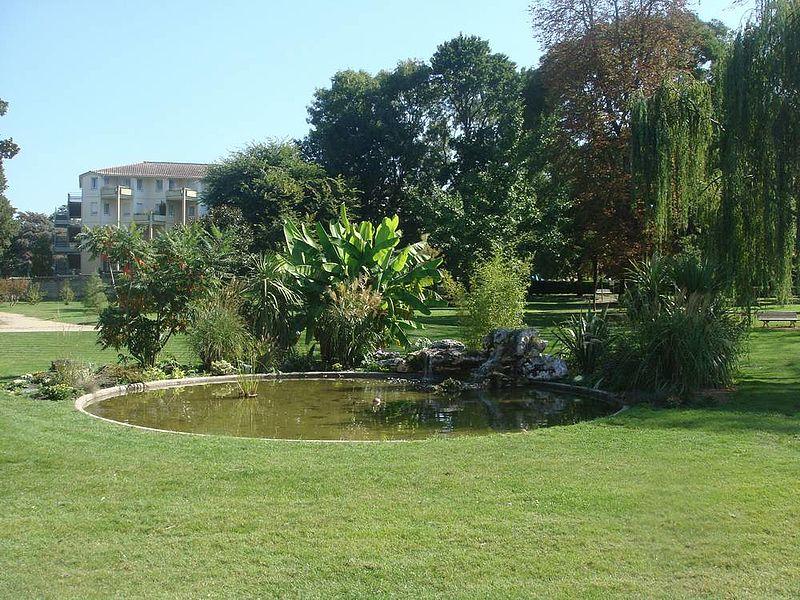 Parcs et bois parcs et espaces verts mairie du bouscat for Piscine du bouscat